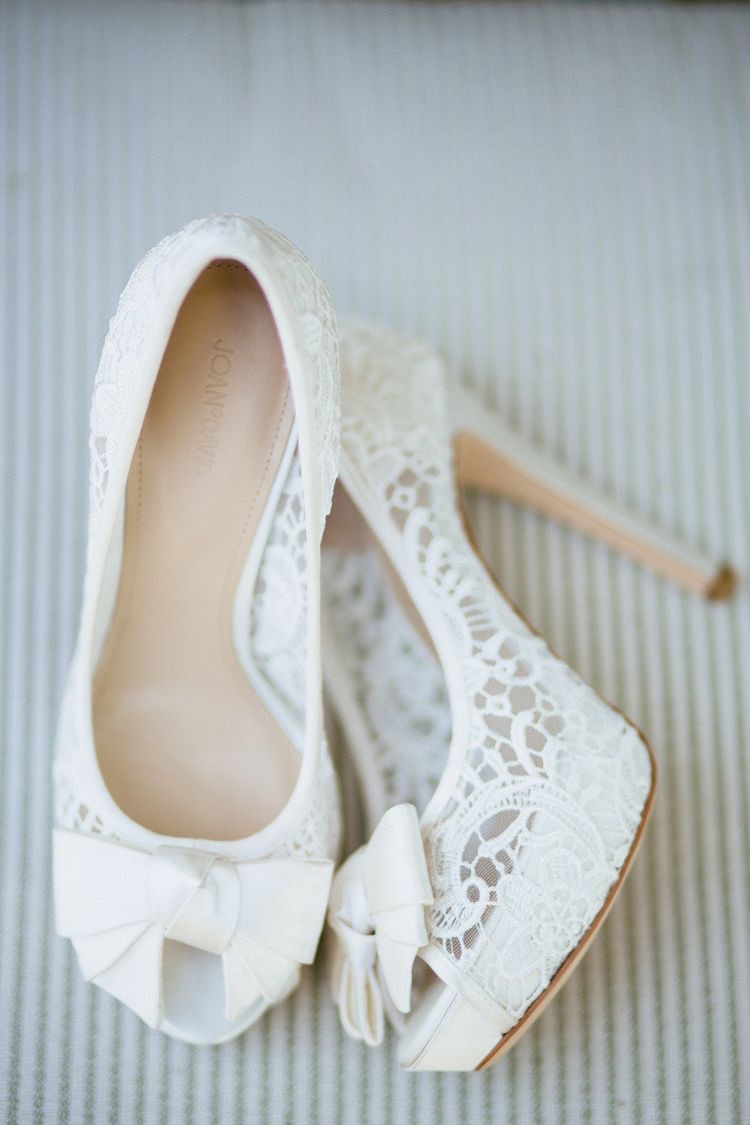 Chic Wedding shoes for brides