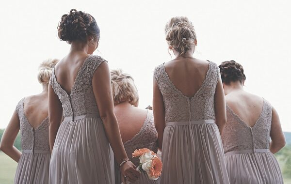 Bridesmaid Dress Shopping – Tips to Follow For Better Experience