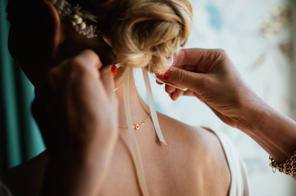 Tip for Wedding Professionals on how to book high-end weddings.