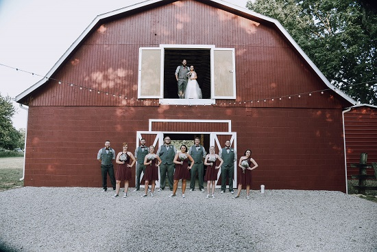 Chic wedding in a barn