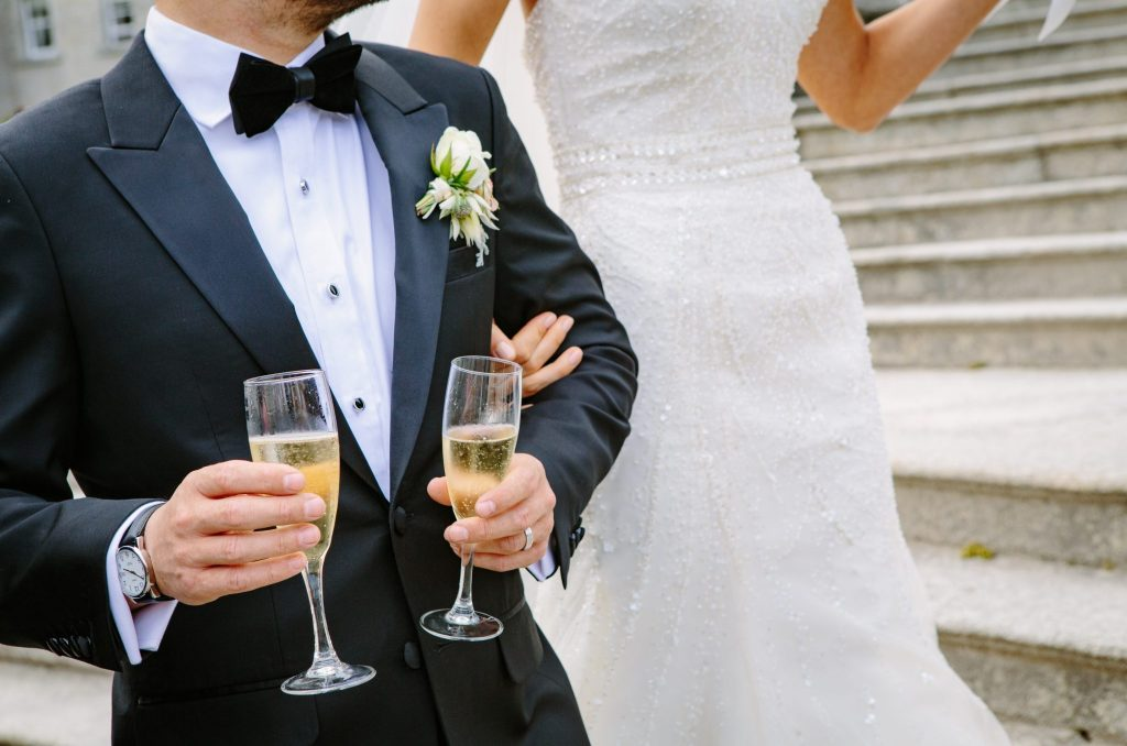 We came up with a list 5 hidden wedding costs that can be avoided to save money during the wedding planning. Here a few tips to have a budget friendly wedding. Stick to your wedding budget and avoid unnecessary wedding costs. Wedding costs. Wedding budget, wedding expenses, planning a wedding on a budget, wedding budget template. DIY Wedding budget. #weddingplanning