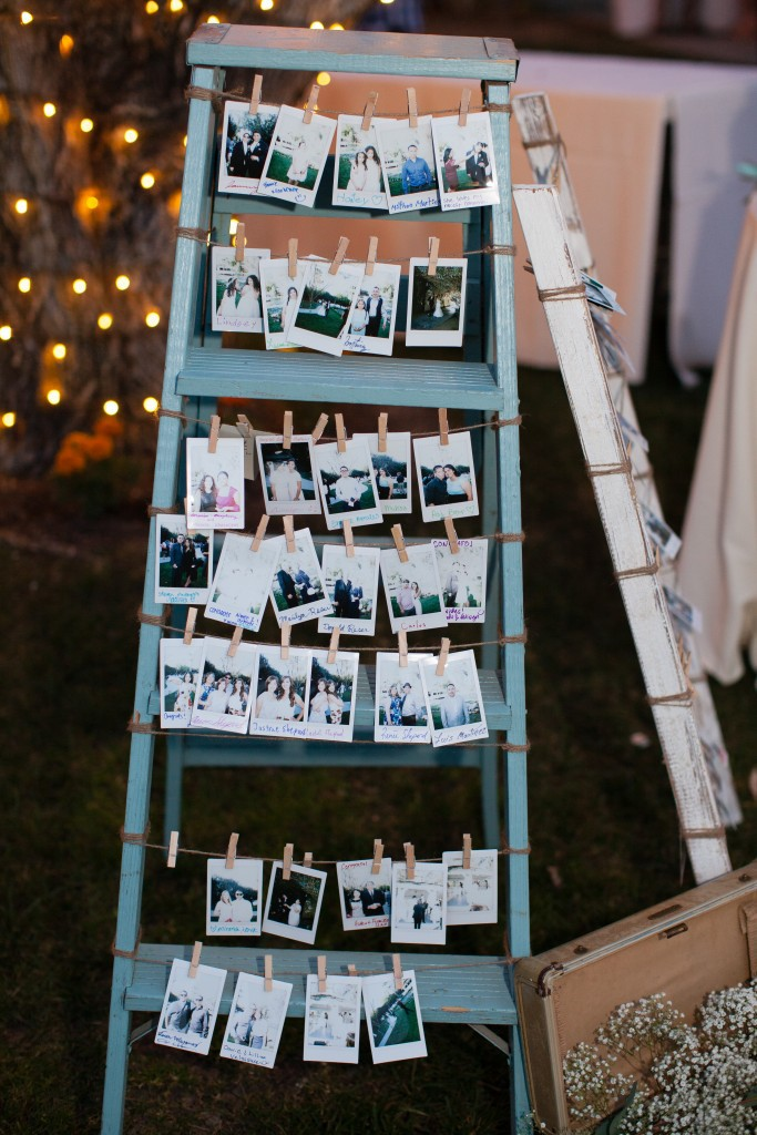 wedding guest book idea for a rustic wedding. Rustic wedding decoration ideas.. Rustic decorations on a budget. Rustic wedding planning ideas. Rustic decorations for a wedding. Cheap rustic wedding ideas. Outdoor wedding ideas on a budget. DIY outdoor wedding ideas. #rusticwedding