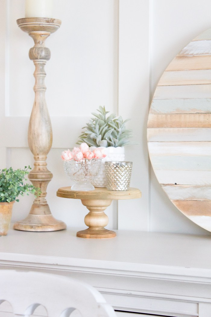 DIY wood cake stand for rustic wedding. DIY Farmhouse decor ideas for the home that can be used for inspiration to plan your wedding. DIY Rustic wedding decor ideas that you can steal from farmhouse decorations to inspire your style. Farmhouse modern decor ideas to use for your wedding inspiration #modernhomedecor #farmhousedecor #rusticwedding #decorideas