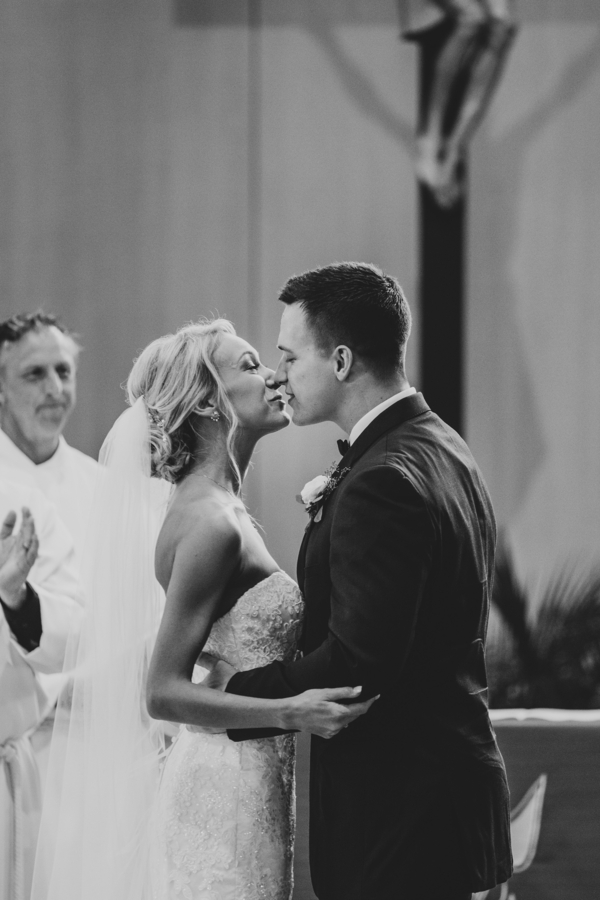 Elegant Wedding at the Delafield Hotel. wedding decor rustic wedding. elegant wedding at delafied. Gorgeous white and blush wedding. Blush bridesmaids dresses. Red and blush wedding bouquet. Elegant wedding decor. Blush and white wedding decor. #blushwedding #elegantwedding