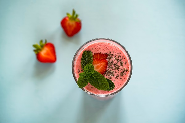 Healthy smoothie recipes for weight loss that you can have for breakfast this summer. If you are searching for the best healthy smoothie recipes for more energy? Then check our amazing list of healthy smoothies. Healthy Smoothie Recipes - Best Smoothies for Breakfast, Lunch, Dinner and Snack. #smoothierecipes #weightloss #healthysnacks