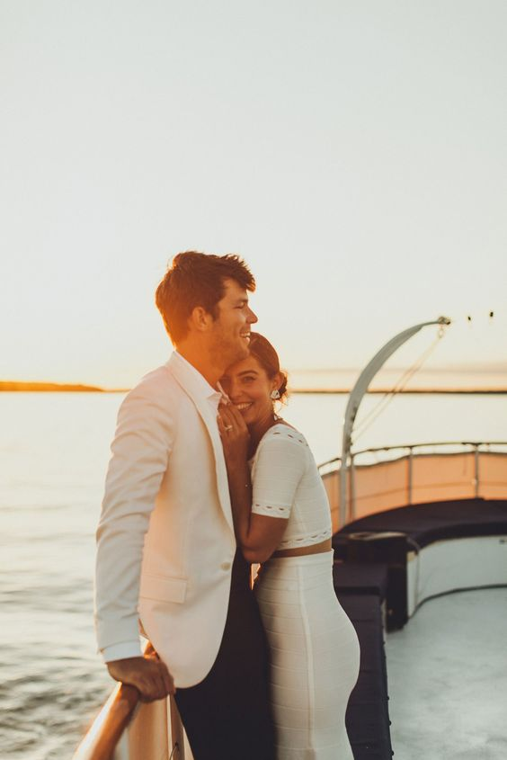 Wedding on a boat. Have a boat wedding for your unique wedding venue. unconventional wedding venue ideas every bride must check out. If you are looking for unique wedding venues, then click here for a list of non traditional wedding venues for your big day. How to find the best wedding venues #weddingplanning #uniqueweddingvenues #weddingvenue #bridetobe