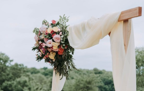 How To Pull Off A Frugal (Not Cheap) Wedding on A Budget