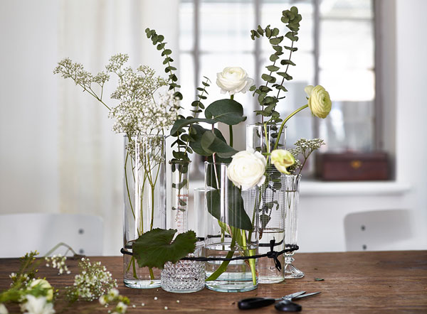Wedding centrepieces ideas from Ikea - These are some of the best ikea wedding hacks to use. If you are looking for affordable DIY wedding decoration ideas, be sure to check this post #ikeaweddinghacks #diywedding