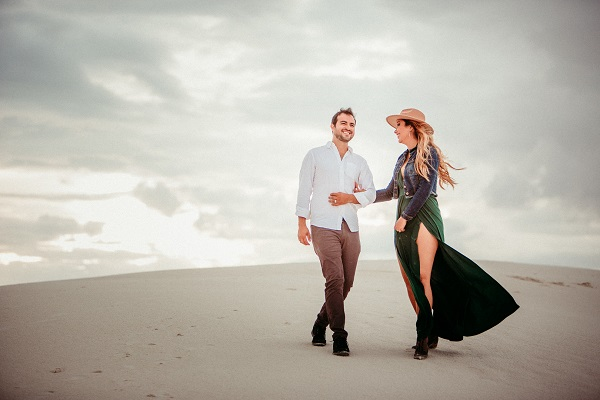 The best travel bloggers capture romantic session