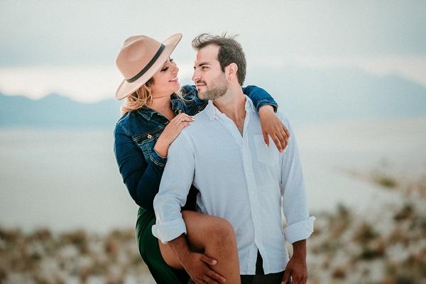loving travel partner that love each other