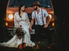 Courthouse wedding. Here are our best tips on how to plan a wedding at a courthouse! Have a wedding for two today! #weddingplanning #weddingday #courthousewedding