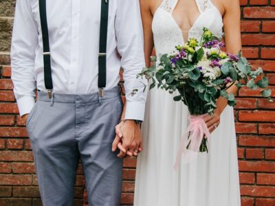 Here are a few Canadian Wedding Traditions you can follow if you are planning a Canadian wedding! Wedding planning tips for Canadian Brides! #canadianwedding #canadianbrides