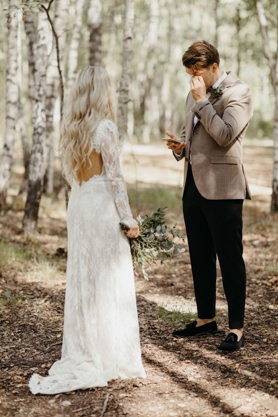 Private vows before wedding! Here is a an epic photo of a private vow exchange between the couples before the wedding! #privatevows #weddingvows