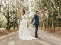 If you are looking for unique wedding photo ideas, we have a great list! Find over 10 Funny and Creative wedding photo ideas! Wedding is one of the most important events in your life and you definitely want to save the sweet memories for the rest of your lives. So we collected some perfect wedding photo ideas! #weddingphotos #weddings