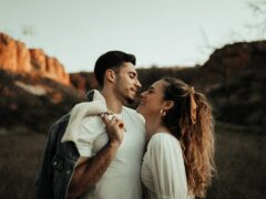 Here are 7 signs he likes you more than a friend! If you are looking for Surefire Signs He Likes You More Than A Friend How can you tell if you and your close guy pal are more than friends? If you talk on the phone every night, have friends who notice your romantic connection, and are more touchy-feeling with one another, these are all signs he likes you more than a friend.